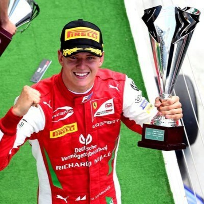"""Schumacher """"con"""" sẽ tiếp nối cha trên đường đua Công thức 1 ảnh 1"""