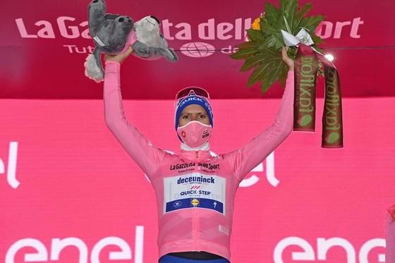 """""""Vua"""" cá nhân tính giờ Filippo Ganna lại thắng chặng 5 leo núi giải xe đạp Giro d'Italia ảnh 3"""