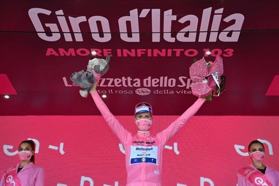 Giải xe đạp Giro d'Italia phát hiện ca dương tính Covid-19 đầu tiên ảnh 3