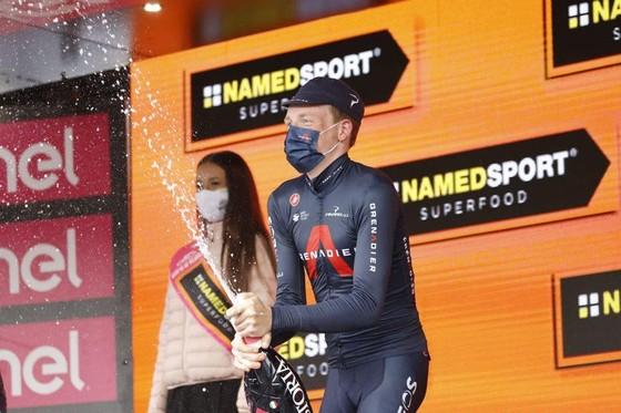 """""""Áo hồng"""" Joao Almeida thừa nhận gần như không thể thắng giải xe đạp Giro d'Italia ảnh 3"""