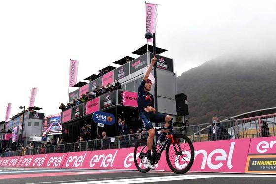 """""""Áo hồng"""" Joao Almeida thừa nhận gần như không thể thắng giải xe đạp Giro d'Italia ảnh 2"""
