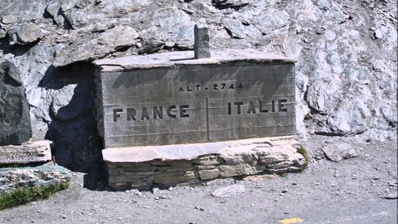 Chặng 20 giải xe đạp Giro d'Italia bị cấm chạy qua nước Pháp ảnh 1