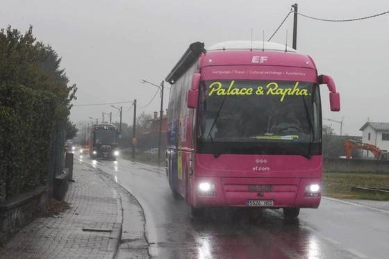 """Các tay đua """"nổi loạn"""" khiến giải xe đạp Giro d'Italia phải rút ngắn lộ trình chặng 19 ảnh 1"""
