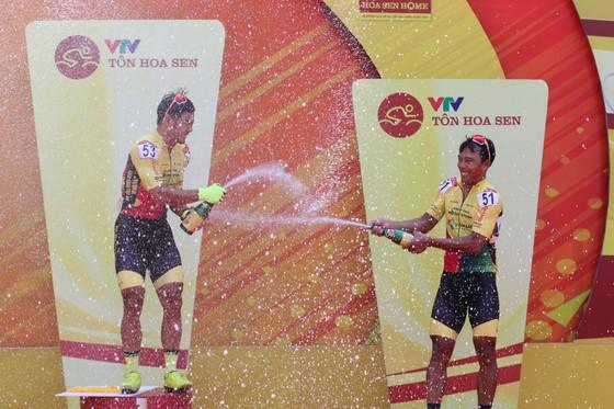 Lê Nguyệt Minh giúp xe đạp TPHCM thắng chặng đầu tiên ảnh 2