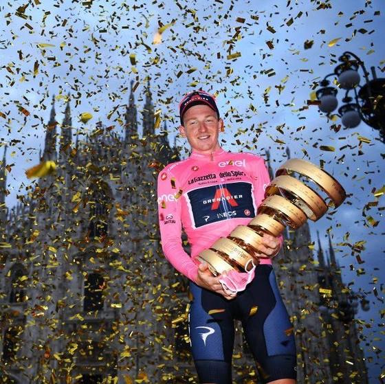 Lật đổ Hindley vào giờ chót, Geoghegan Hart mặc Áo hồng chung cuộc giải xe đạp Giro d'Italia ảnh 2