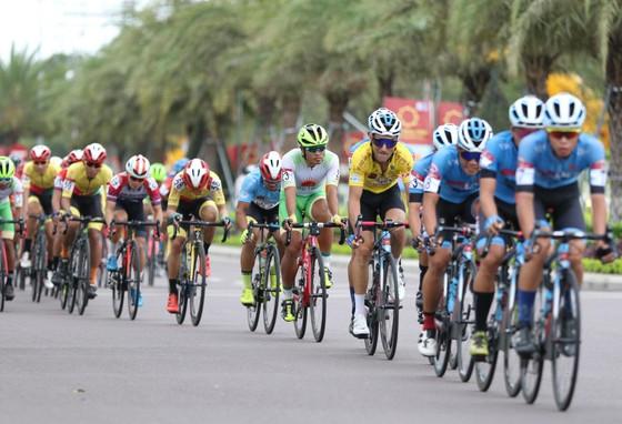 Lê Nguyệt Minh thắng chặng, Loic giành Áo vàng chung cuộc giải xe đạp VTV Cúp ảnh 1
