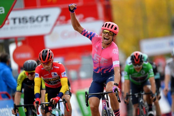 Magnus Cort ăn mừng chiến thắng. Ảnh: Getty Images
