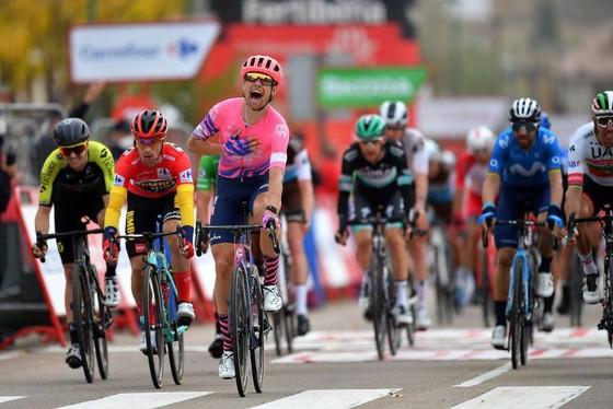 Chiến thắng diệu kỳ của Magnus Cort tại giải xe đạp Vuelta a Espana  ảnh 3