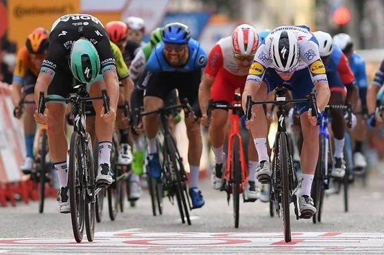 Primoz Roglic bảo vệ Áo đỏ, Áo xanh đi vào lịch sử 85 năm giải xe đạp Vuelta a Espana ảnh 1