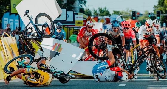 Bài học xương máu cho các tay đua xe đạp chuyên nước rút  ảnh 3