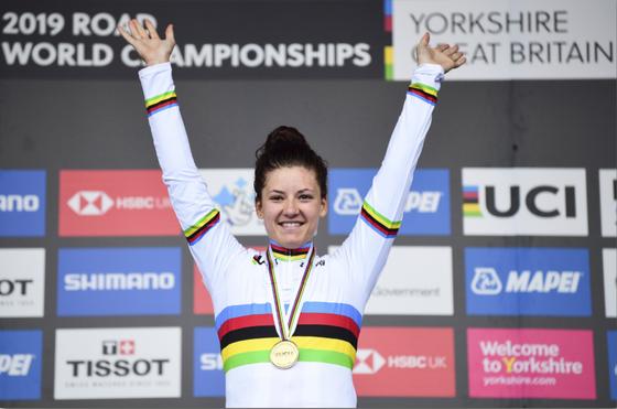 """Nữ tay đua vô địch thế giới 2019 Chloe Dygert gặp vạ vì """"tay nhanh hơn não"""" ảnh 1"""