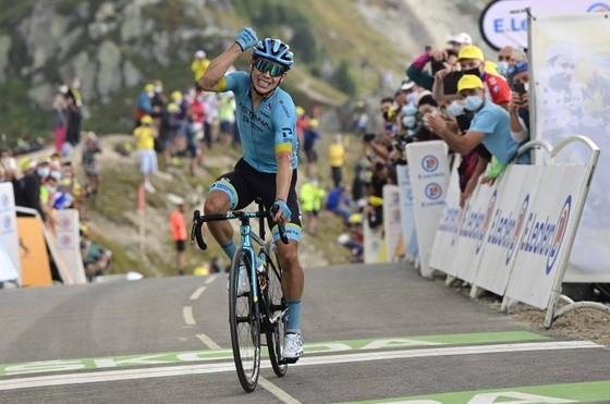 Miguel Angel Lopez rời Astana đầu quân cho đội xe đạp Movistar ảnh 1