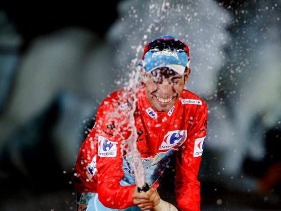 Fabio Aru từng đoạt áo đỏ Vuelta a Espana 2015.