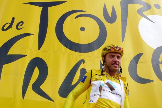 Rinaldo Nocentini từng mặc áo vàng Tour de France 2009.