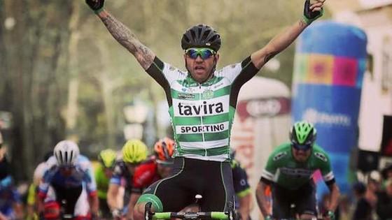 Tay đua từng mặc áo vàng Tour de France về hưu rồi mới bị cấm… thi đấu ảnh 1