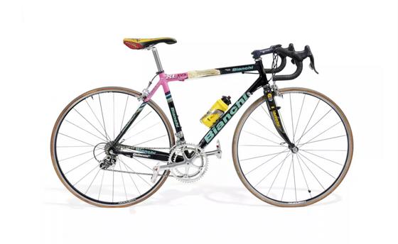 Những kỷ vật vô giá từ một thời bi tráng của tay đua Marco Pantani ảnh 2