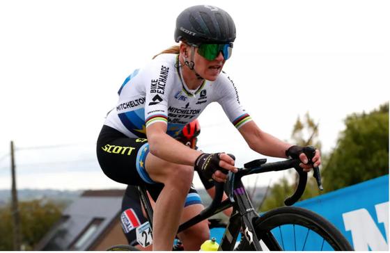 Nữ tay đua Van Vleuten đạp xe 32.000km trong năm 2020 ảnh 2