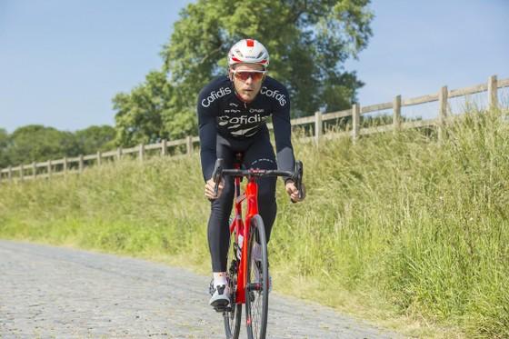 Tay đua Bỉ Vermote miệt mài tập luyện để… chờ cơ hội mới! ảnh 1