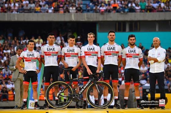 Đội UAE Team Emirates tăng cường lực lượng.