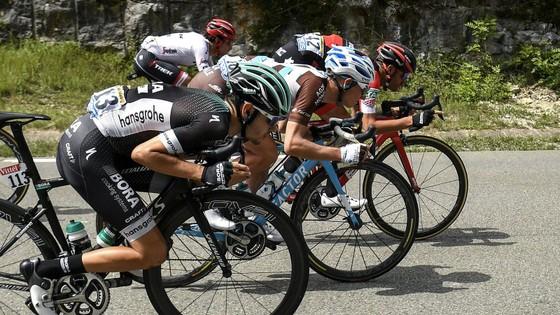 """Liên đoàn xe đạp thế giới UCI muốn """"khai tử"""" kỹ thuật Supertuck ảnh 2"""