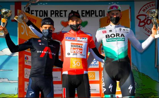 Nam tay đua cùng CLB với Nguyễn Thị Thật đăng quang giải xe đạp tại Pháp ảnh 2