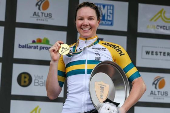Tay đua Sarah Roy – Ngôi sao lận đận của xe đạp Úc ảnh 1