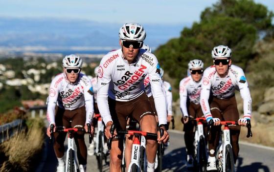 Chấn thương đầu của Lilian Calmejane nặng hơn dự báo sau tai nạn ở Tour de la Provence ảnh 1