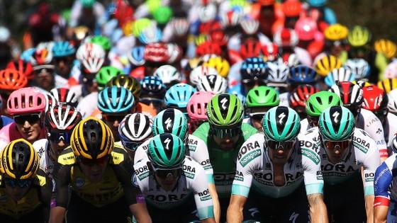 """Liên đoàn xe đạp thế giới UCI """"gạch tên"""" 34 cuộc đua quốc tế ảnh 1"""