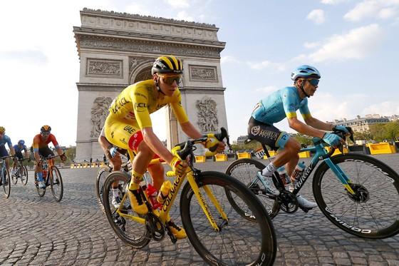 """Liên đoàn xe đạp thế giới UCI """"gạch tên"""" 34 cuộc đua quốc tế ảnh 2"""