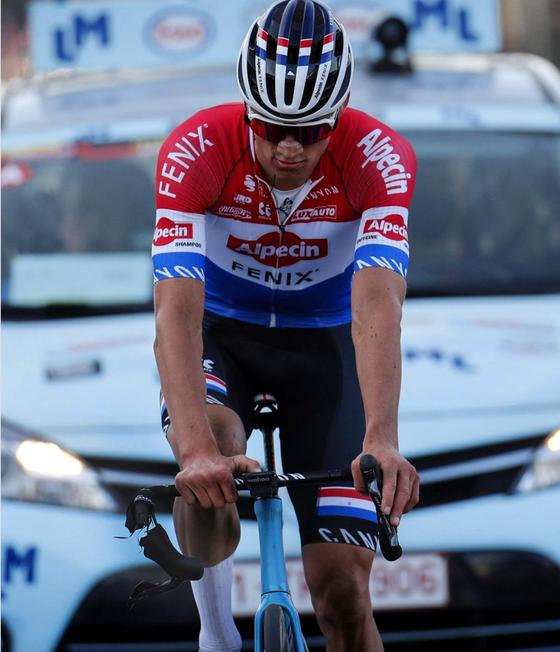 Thương hiệu xe đạp Canyon điêu đứng sau sự cố của Mathieu van der Poel ảnh 1