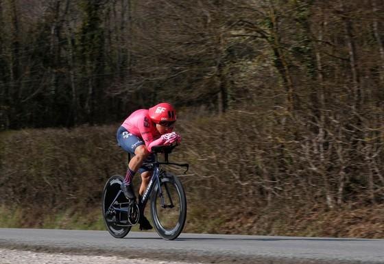"""Tay đua trẻ Bissegger gây """"chấn động"""" khi đoạt Áo vàng giải xe đạp Paris – Nice ảnh 3"""