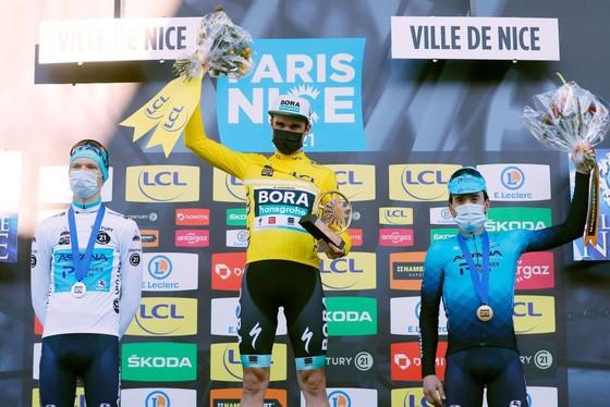 Hai lần bị té ngã, Primoz Roglic đánh mất áo vàng chung cuộc giải xe đạp Paris – Nice ảnh 3