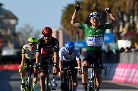 Tadej Pogacar đang thống trị giải xe đạp Tirreno – Adriatico với 3 danh hiệu lớn ảnh 2