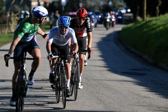 Tadej Pogacar đang thống trị giải xe đạp Tirreno – Adriatico với 3 danh hiệu lớn ảnh 1