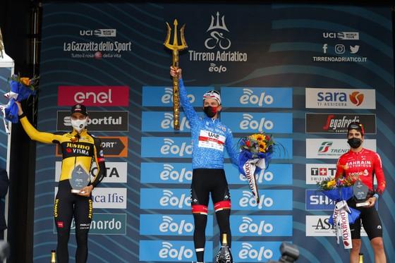 "Chung cuộc giải xe đạp Tirreno – Adriatico 2021: Tadej Pogacar ""gom"" cả 3 chiếc áo danh giá ảnh 3"