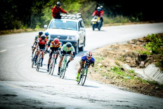 """Các tay đua Việt không ủng hộ UCI cấm sử dụng kỹ thuật """"Super-tuck"""" ảnh 2"""