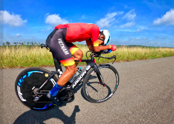 """Các tay đua Việt không ủng hộ UCI cấm sử dụng kỹ thuật """"Super-tuck"""" ảnh 3"""