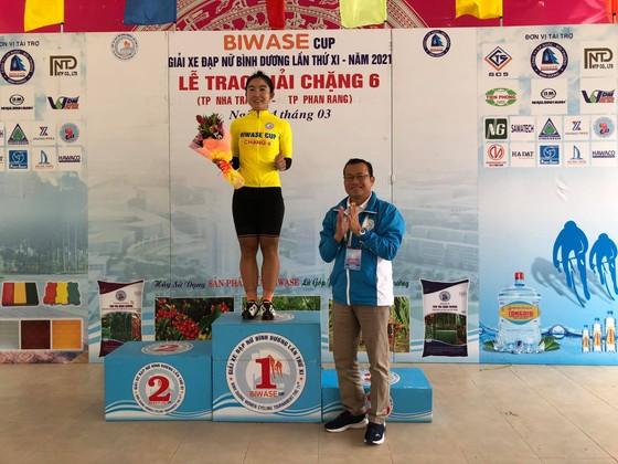 """Áo vàng Thu Mai lấy thêm Áo đỏ """"Nữ hoàng leo núi"""" giải xe đạp nữ Biwase 2021  ảnh 3"""