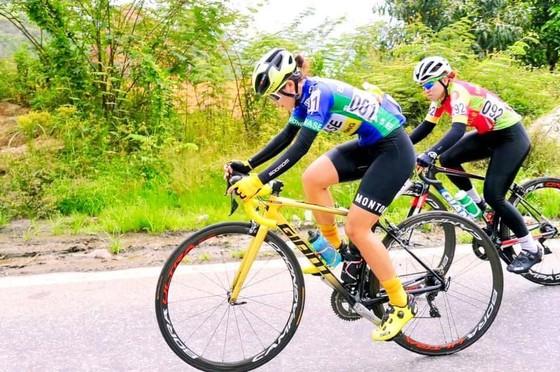 Các cô gái Tập đoàn Lộc Trời thắng lớn giải xe đạp nữ Bình Dương – Biwase Cup 2021 ảnh 2