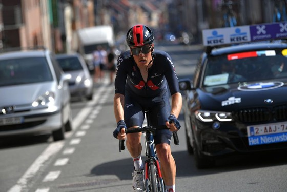 Dylan van Baarle thoát đi solo 52 km chiến thắng cuộc đua xe đạp Dwars door Vlaanderen 2021 ảnh 2