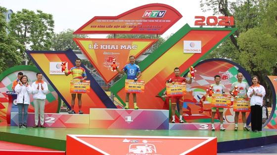 TPHCM thành công đưa Lê Nguyệt Minh thắng chặng mở màn cuộc đua xe đạp Cúp Truyền hình 2021  ảnh 2