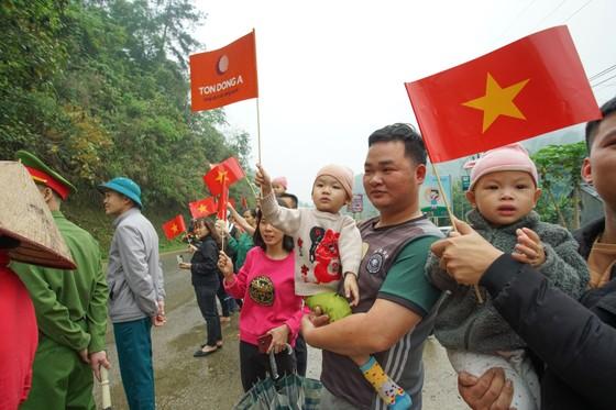 Giải xe đạp Cúp Truyền hình: Nguyễn Tấn Hoài bất lực trước Loic Desriac ảnh 1