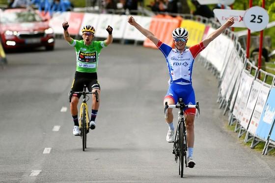 """Primoz Roglic xé Áo vàng ăn """"trọn mâm"""" giải xe đạp Tour of the Basque Country  ảnh 2"""