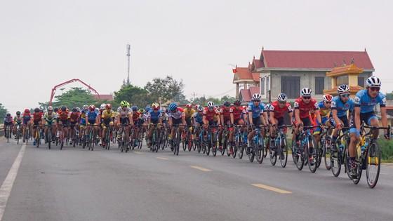 Nguyễn Trường Tài thắng chặng 10 mở ra ưu thế cho TPHCM Vinama  ảnh 1