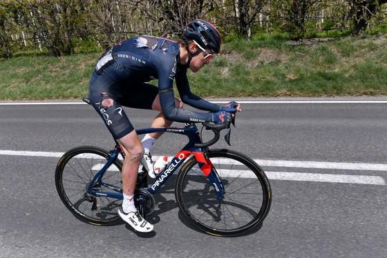 Gianni Moscon đòi lại sự thống trị Tour of Alps ảnh 1