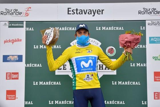 Rohan Dennis té ngã, mất áo vàng giải xe đạp Tour de Romandie  ảnh 2