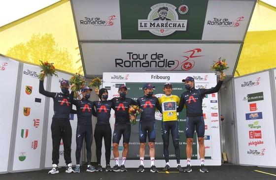 Geraint Thomas vực dậy sau té ngã giành Chiếc áo vàng Tour of Romandie 2021 ảnh 2