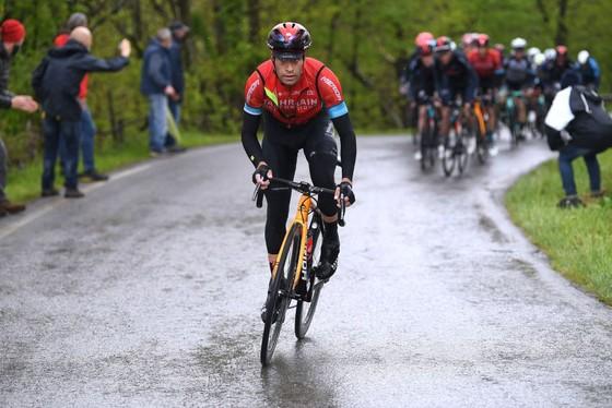 Giải xe đạp Giro d'Italia 2021: Filippp Ganna bị xé Áo hồng  ảnh 1