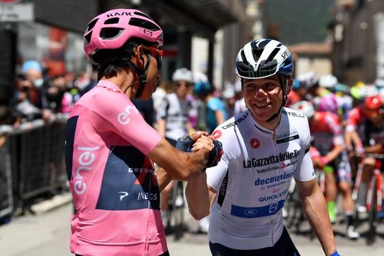 """Egan Bernal: """"Đối thủ ở Giro d'Italia không chỉ có Remco Evenepoel"""" ảnh 2"""