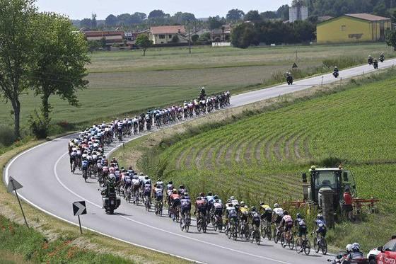 """Giacomo Nizzolo """"phá dớp"""" thắng chặng 13 Giro d'Italia 2021 ảnh 1"""